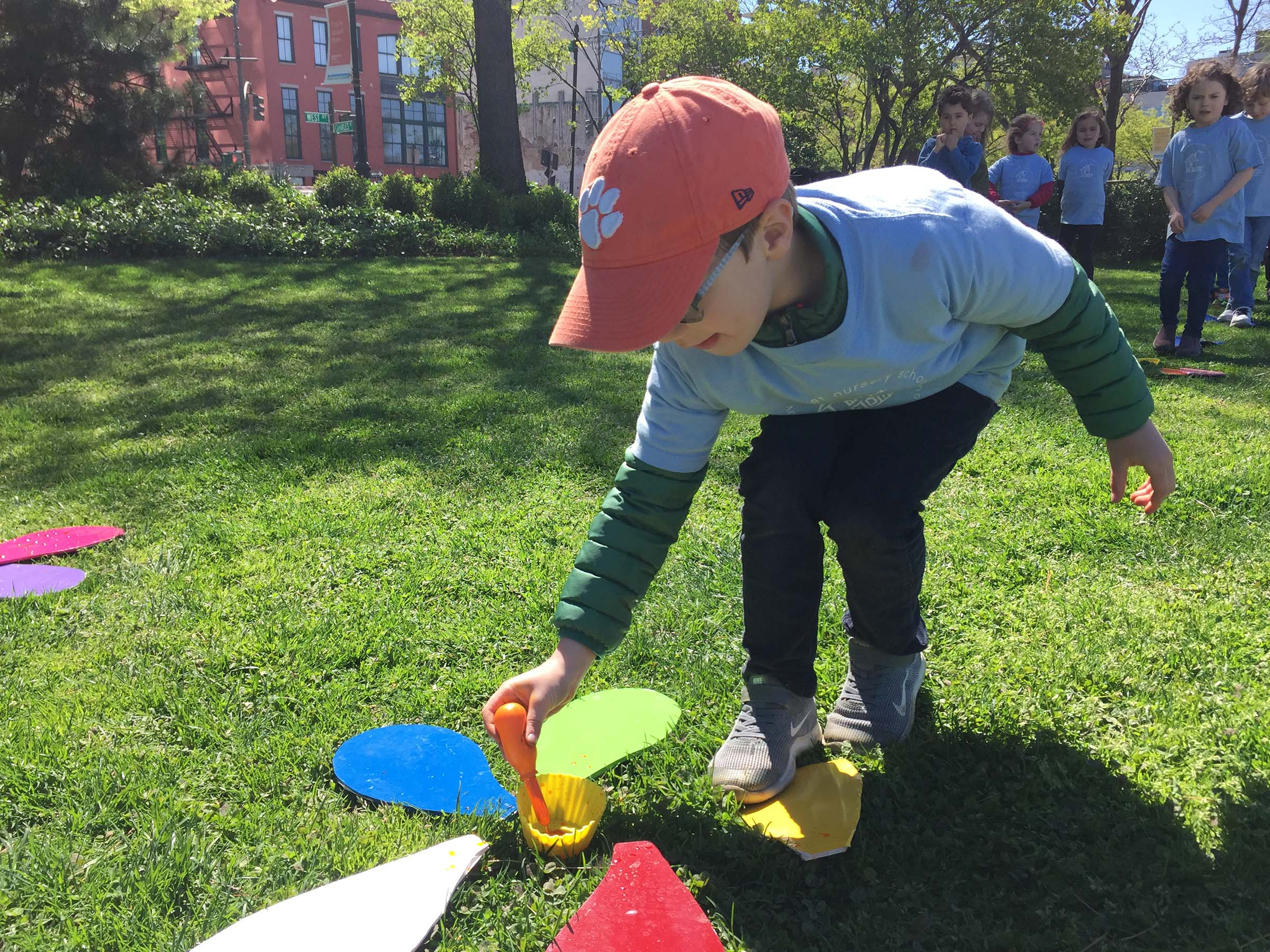 Students play a game about the Flowers in Hudson River Park