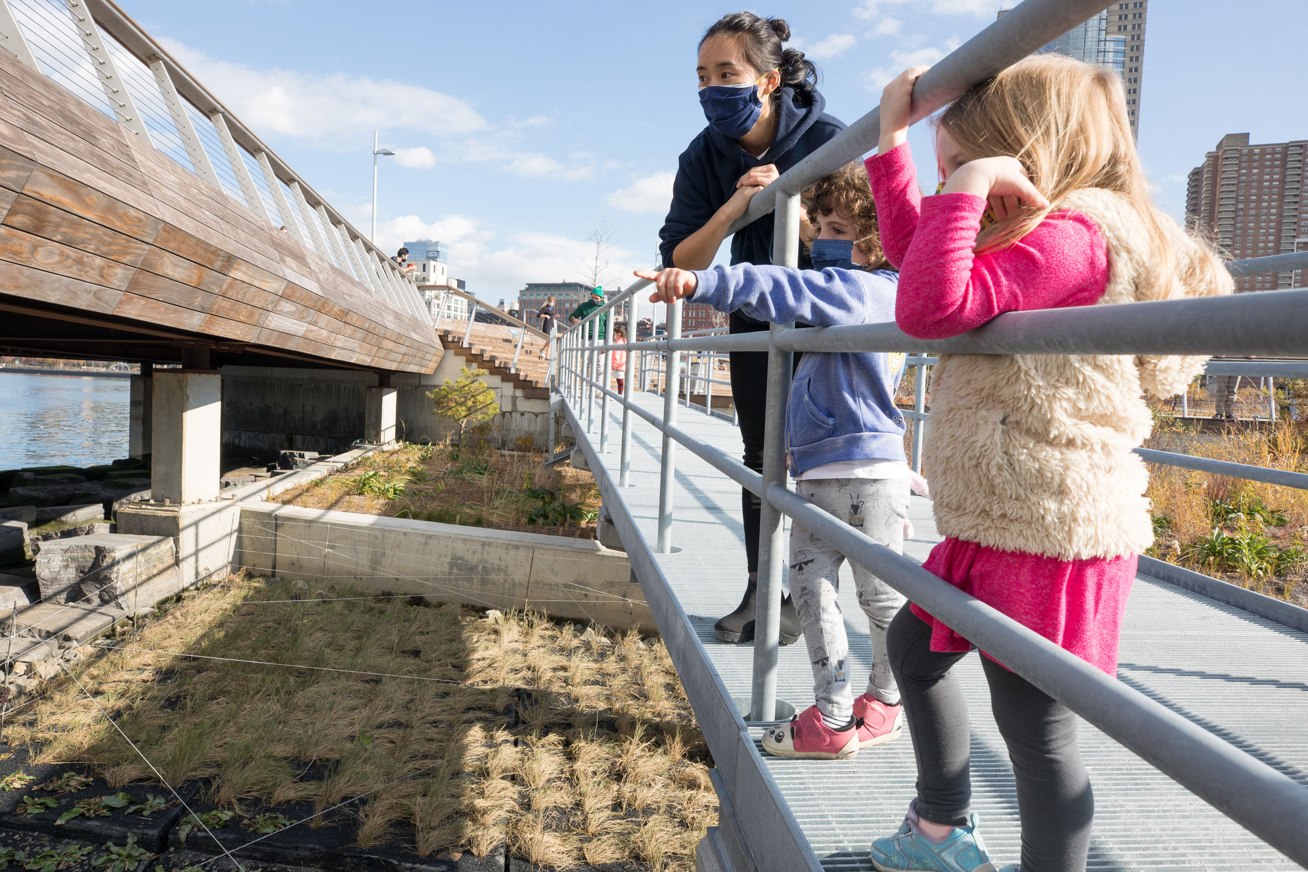 HRPK River Project Park educators point out to young students the native wildlife and ecology of the Hudson River from the Pier 26 Tide Deck